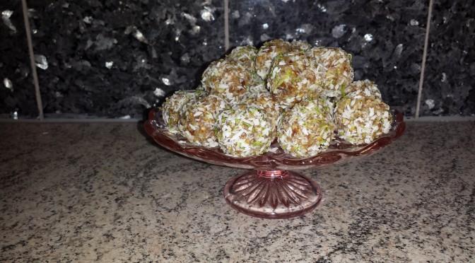 Smarriga kokosbollar med lime.