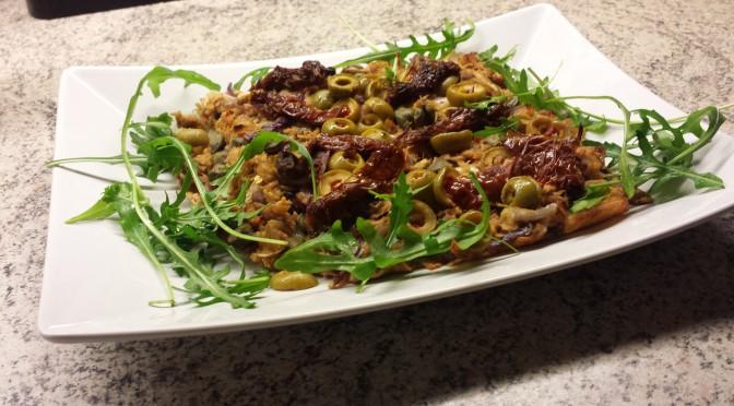 Pizza med chili och tonfisk