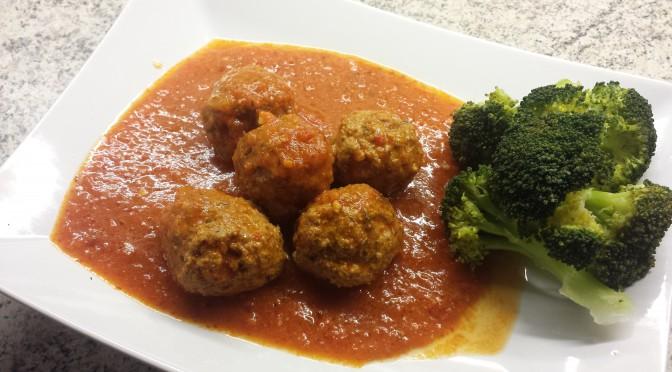 Italienska Frikadeller i tomat-och paprikasås.